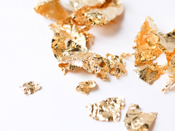KeepsakeMom Adding Inclusions To Breastmilk Jewelry, Gold Flakes