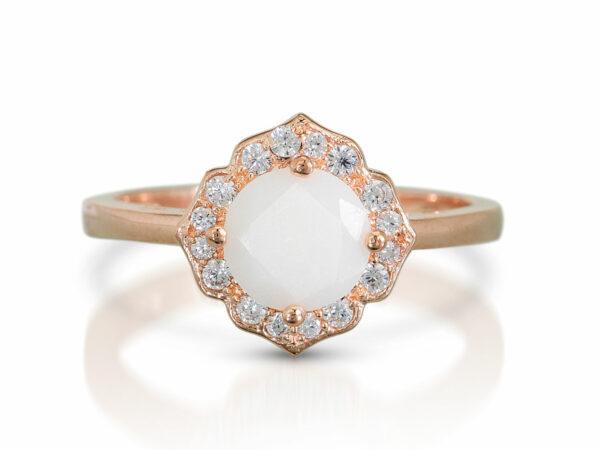 KeepsakeMom Breastmilk Jewelry Breastmilk Ring Milky Brilliance Rose Gold Pearl Effect Clear Background Front