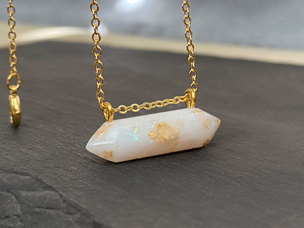 KeepsakeMom-breastmilk-jewelry-breastmilk-necklace-Moment-in-Time-yellow-gold-1-scaled.jpg