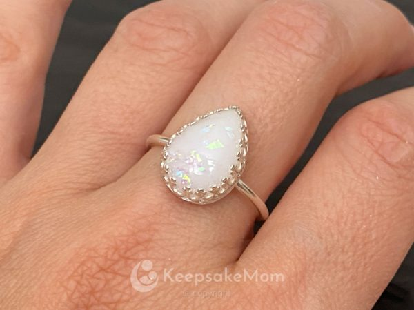 KeepsakeMom-Breastmilk-Jewelry-Breastmilk-Ring-Little-Star-Silver-Opal-Crown-Ring-Petite-model