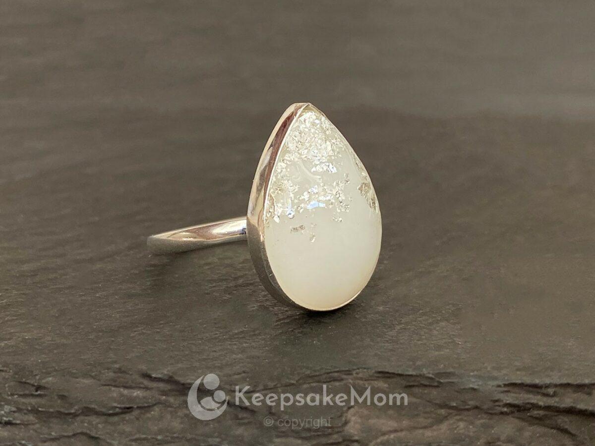 KeepsakeMom Breastmilk Jewelry Breastmilk Ring The Original Ring Silver Silver Flakes