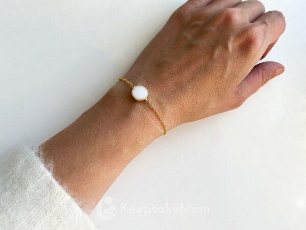 Breastmilk-jewelry-bracelet-gold
