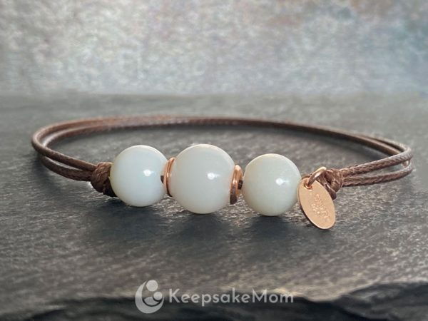 breastmik-jewelry-three-beads-rose-gold-bracelet