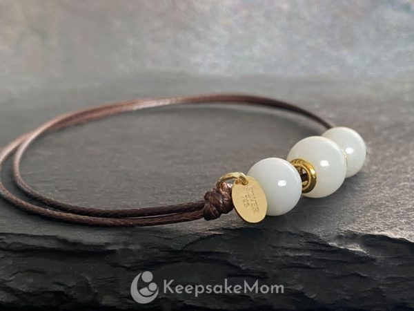 breastmilk-bracelet-browncord-three-pearld-gold-final