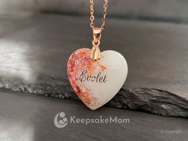 breast-milk-necklace-rose-gold-pink-heart